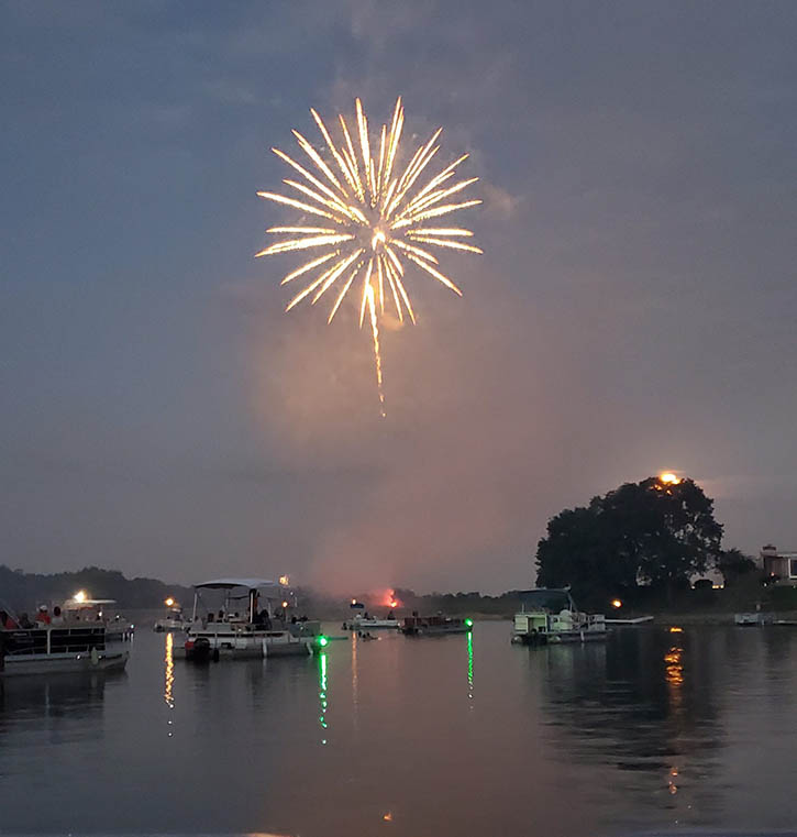 Lake Waukomis 4th of July
